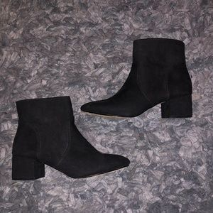 6/$20 Express size 10 black boots
